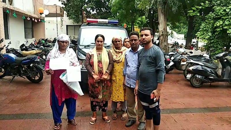 Husband gave teen talaq just after two hours of marriage in agra uttar pradesh