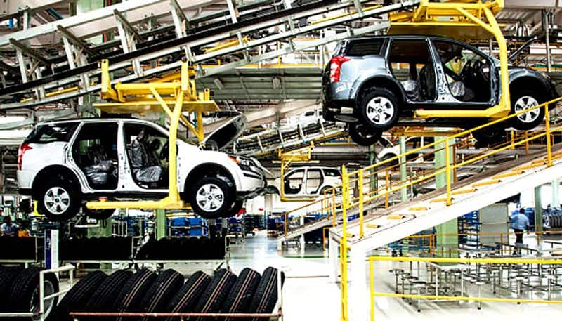 What is the reasons of crisis in Indian automobile industry