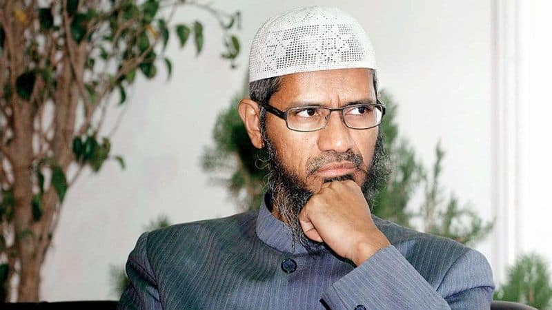 Rabble rouser Zakir Naik exhorts IAS/IPS aspirants to take it up only if they can protect Islam