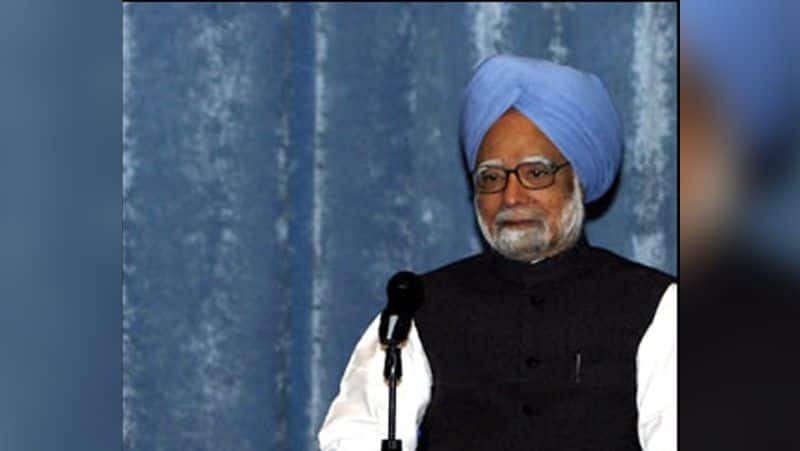 Former prime minister Dr. Manmohan singh attacked on Modi government for economic crisis