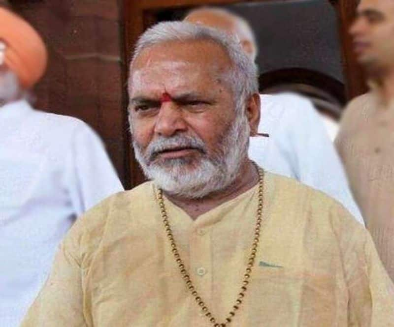 In Yogi Raj, the close Swami Chinmayananda from whom the lawsuits were withdrawn, now the FIR in the same Yogi government