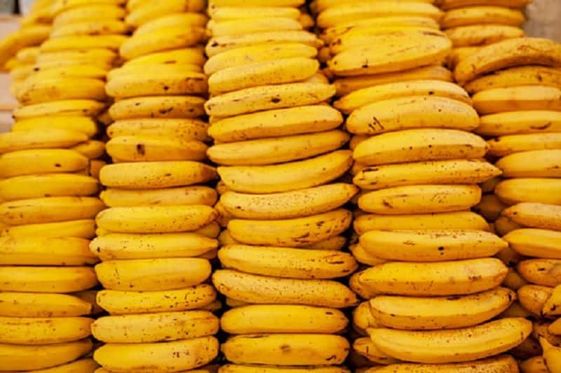 Here's why bananas are banned at this Lucknow railway station