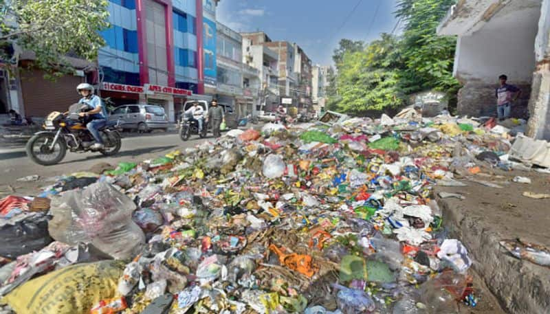 Cigarette butts among 12 plastic items that could be banned by Centre
