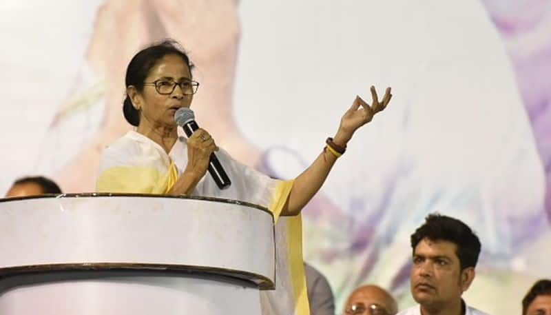 Mamata Banerjee accuses PM Modi for not introducing law against mob lynching