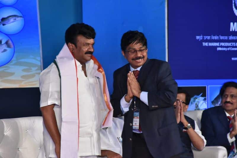 vice president venkaiah naidu launches Aqua aquaria india conference 2019 at HICC