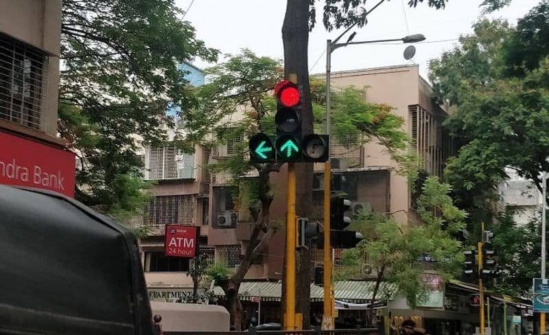 New traffic signal in Japan style...introduced chennai
