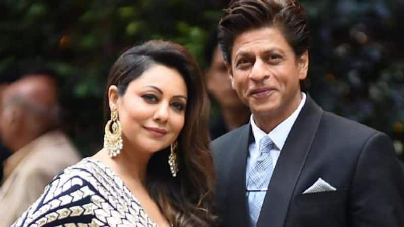 Shah Rukh Khan, wife Gauri Khan fight in bed, for this silly reason