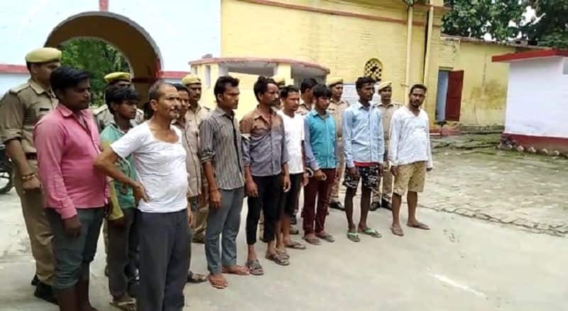 conflict between police and villagers in pilibhit uttar pradesh