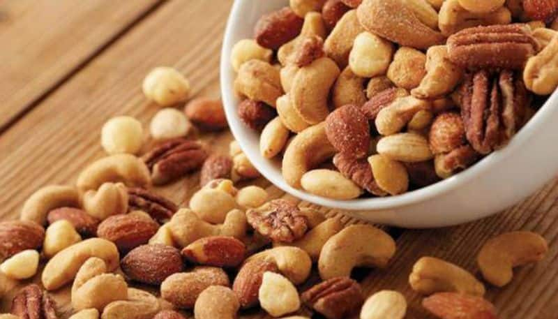 Reasons Why You Should Eat Nuts Daily