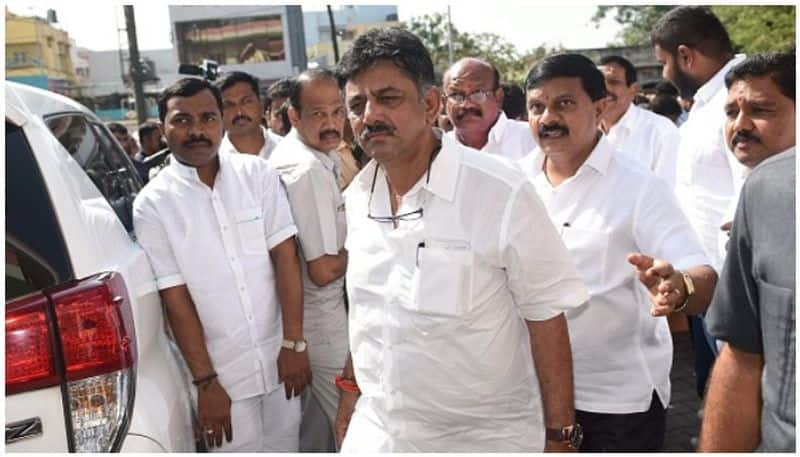 Congress troubleshooter DK Shivakumar goes to jail, IN arrested