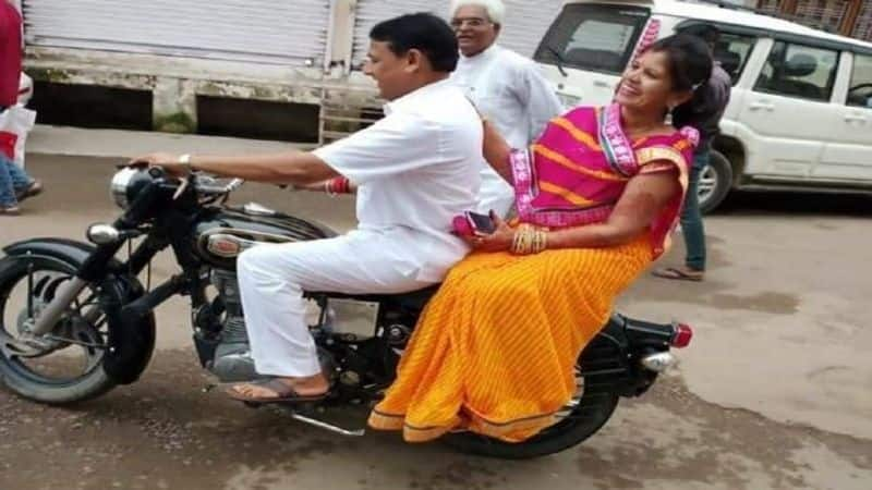 police has challan to minister was riding with his wife without a helmet
