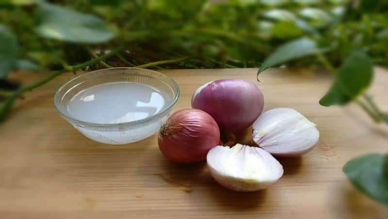 Not only for cooking onions can also use to cure these diseases