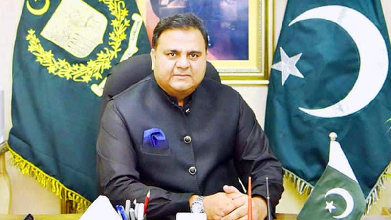 Shameless Fawad Chaudhary's Pakistani scientist  'slap', know why Pakistan should learn from India