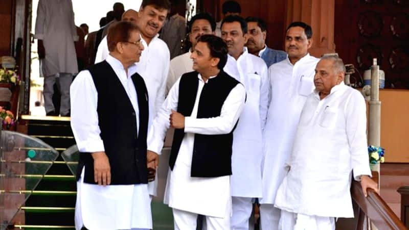 Azam Khan is 'missing', not seen in Akhilesh's support rally in Rampur