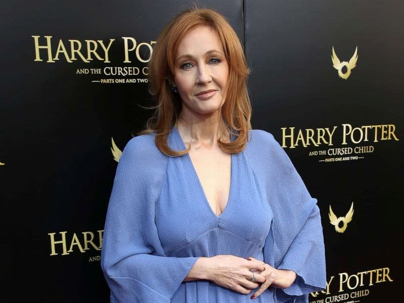 J K  Rowling Had Coronavirus Symptoms & Reveals the Technique That Helped Her A Lot