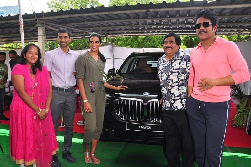 Badminton champion PV Sindhu receives BMW X5 SUV as gift