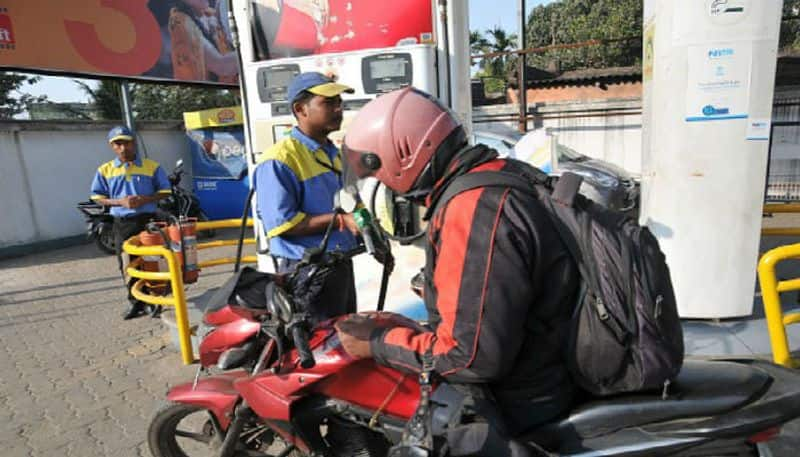 Pay the price of petrol with Hold on helmet, New instructions to the police