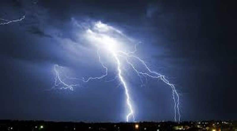 Lightning falls in Purvanchal, ten dead and a dozen scorched