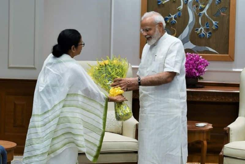 Mamata Banerjee meets PM Modi; calls it apolitical, insists on rechristening West Bengal as Bangla