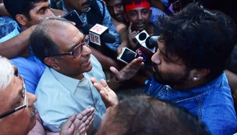 Governor called jadavpur vc, ask to submit report on babul case