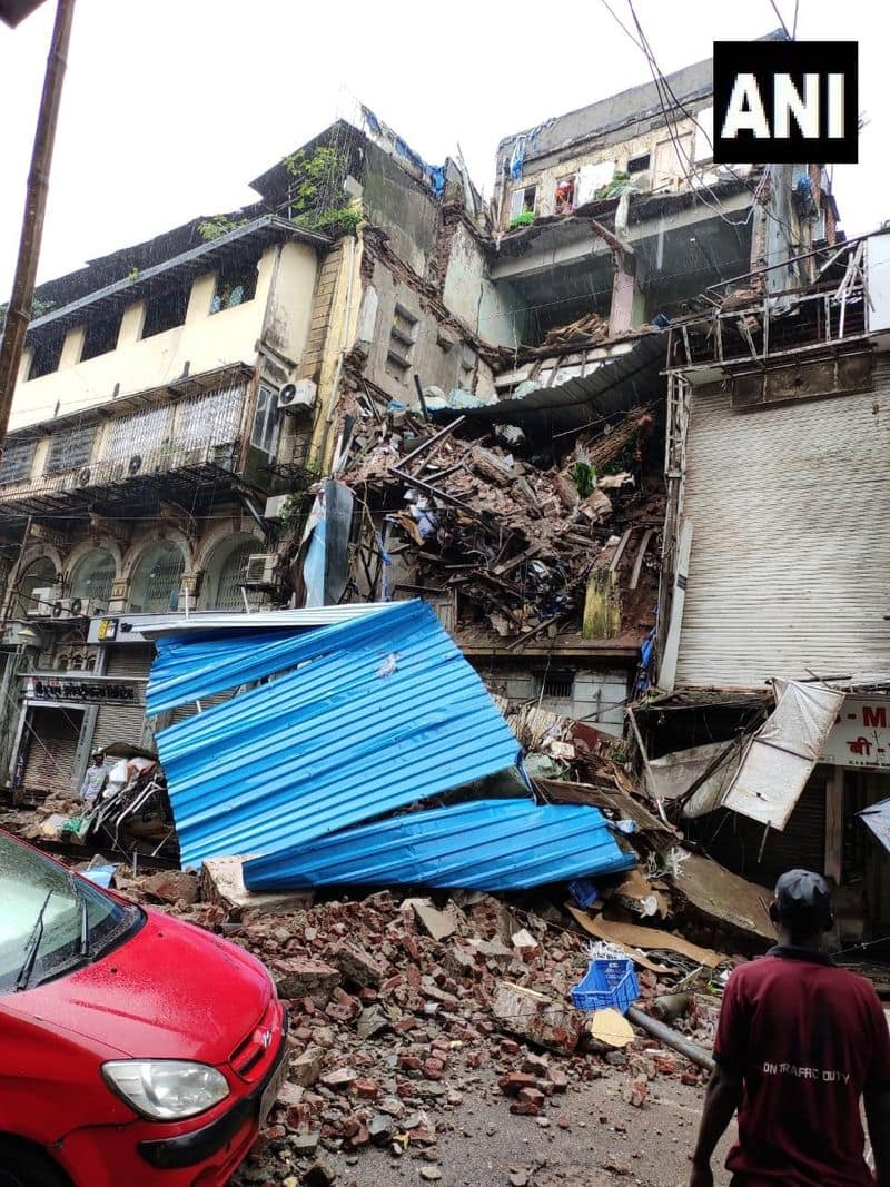 Mumbai Portion of a building in Crawford market collapses rescue operations underway