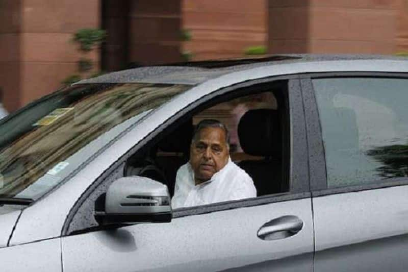Yogi government's big decision regarding Mulayam Singh, favorite car will not be able to travel 'Netaji'