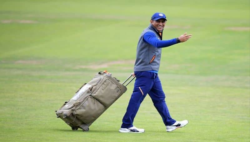 No longer going to play for India this former cricketer thinks MS Dhoni career over
