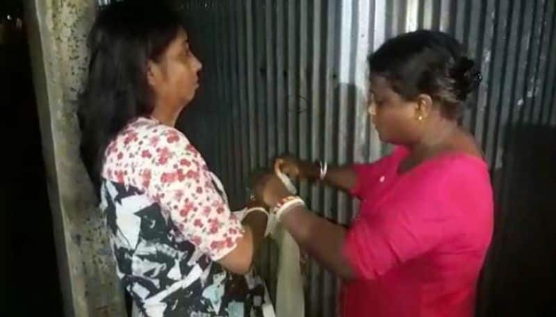 Wife beats paramour of her husband in Raiganj