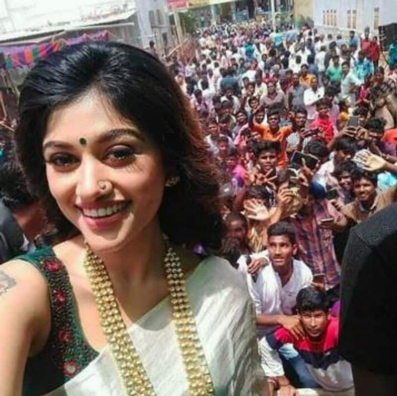 Oviya Army Happy For Answer of Start Political Party Question