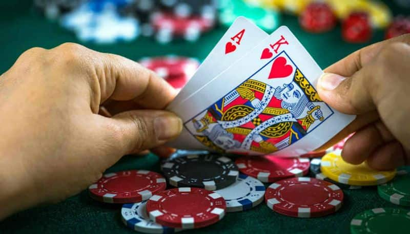 seven youths arrested for gambling and lock down violation in idukki