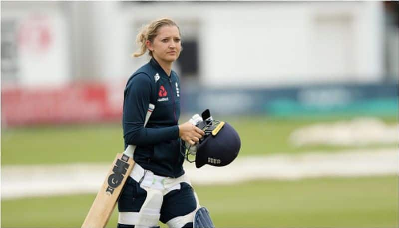 Sarah Taylor makes history by becoming 1st female coaching staff in English County