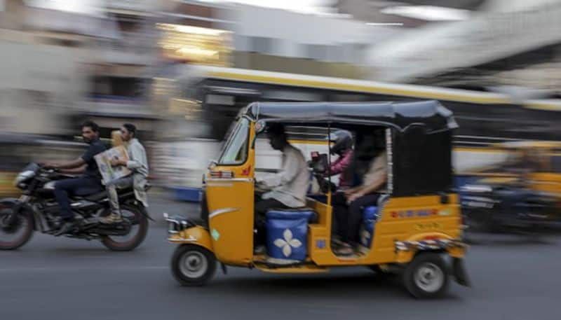 gujarat auto rickshaw driver challaned Rs 18000, attempts suicide by drinking phenyl
