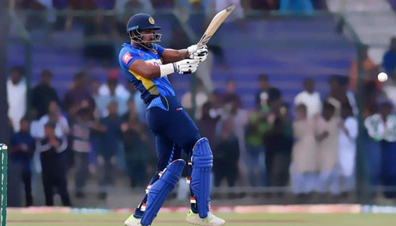 sri lanka all out for just 117 runs in second t20 against australia