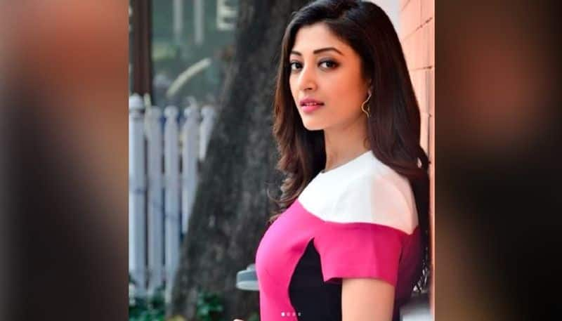 Paoli Dam shares a video in lockdown
