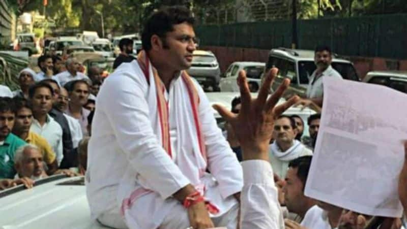 Haryana elections: Ashok Tanwar will support Jananayak Janata Party, while wife will vote in favor of Congress