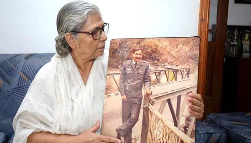 Squadron Leader Ravi Khanna martyred in 1990 engraved on National War Memorial