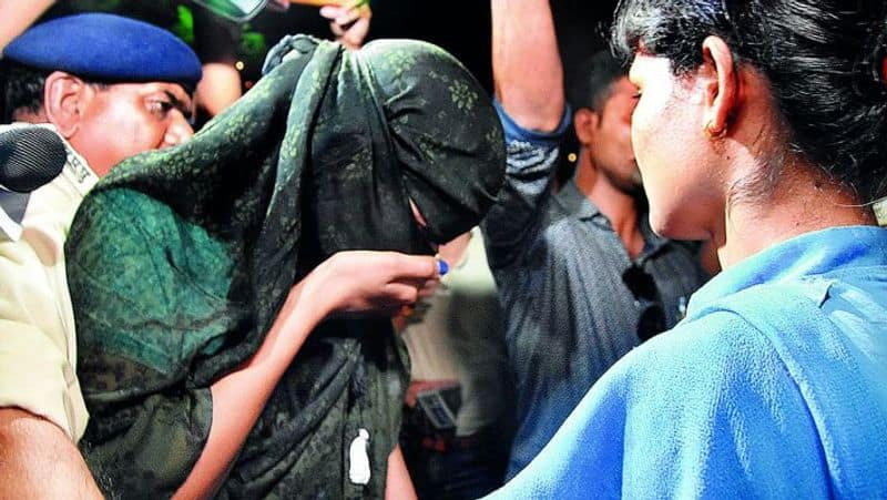 Two arrested including woman for honey trap in hyderabad