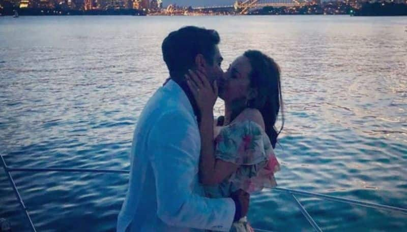 evelyn sharma gets engaged to australian boyfriend shares a romantic pic