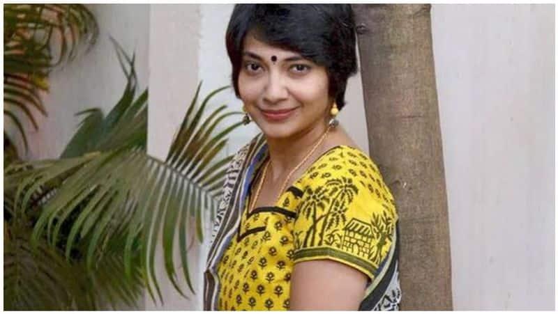 Padma Seshadri school bribe issue - complaint against madhuvanthi