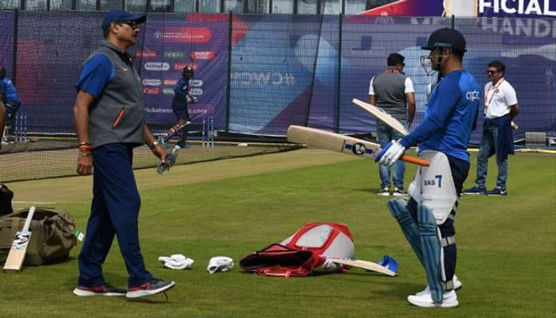 Ravi Shastri speaks about MS Dhonis future