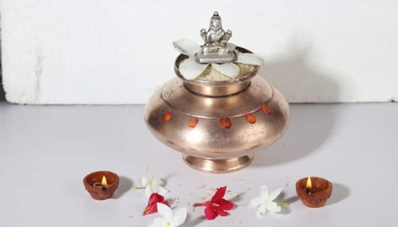 Follow these rules on Poila Poush to overcome financial problems