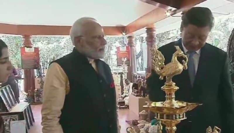 Narendra Modi and Xi Jinping skips the Kashmir issue during the summit