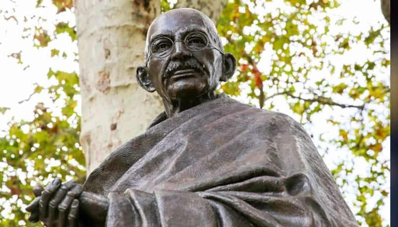 Odisha Government school booklet claims that Mahatma Gandhi died due to accident