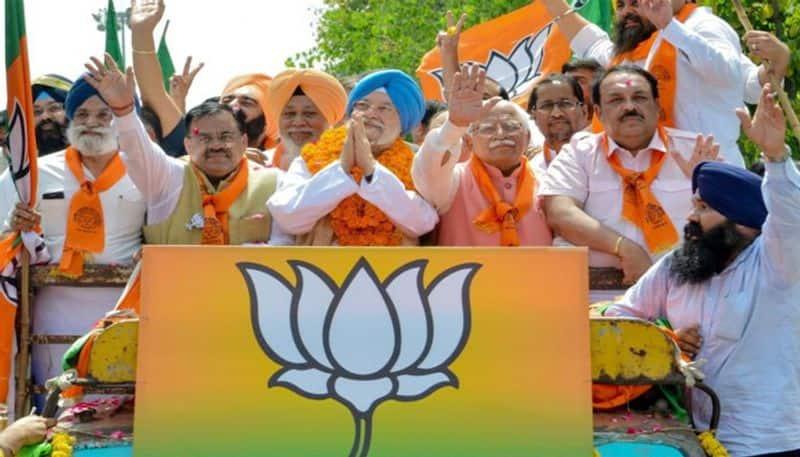 BJP Telangana incharge tarun chugh sensational comments on TRS lns