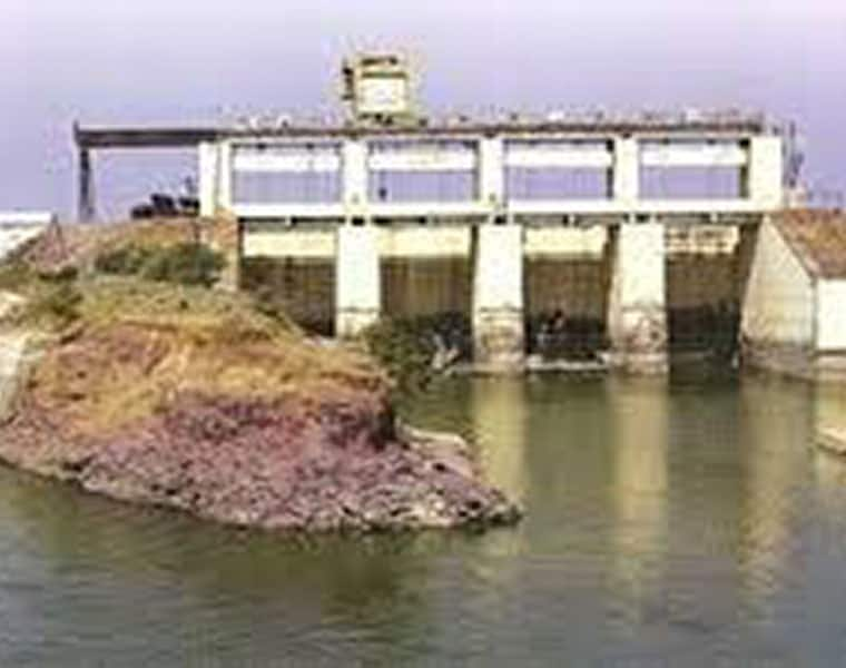 Telanana alleges Andhra drawing water illegally from Potireddypadu