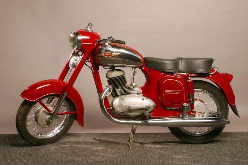 Mahindra reveals new Jawa engine details and photos