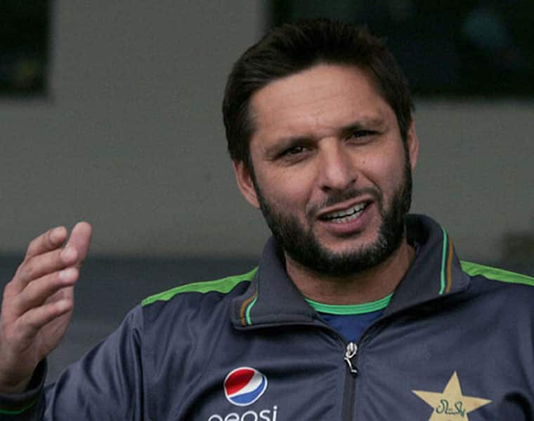 afridi revealed the indian players who are close friends to him