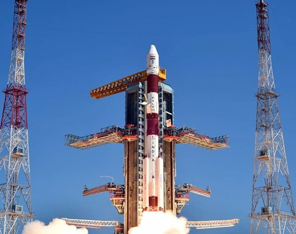 India to send three people into space for Rs 10000 crore