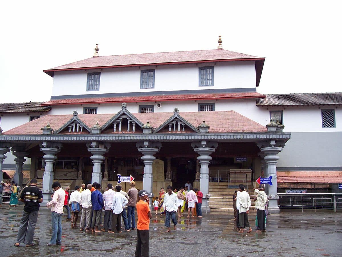 CM Siddaramaiah eats fish enters Dharmasthala temple Should it be a controversy