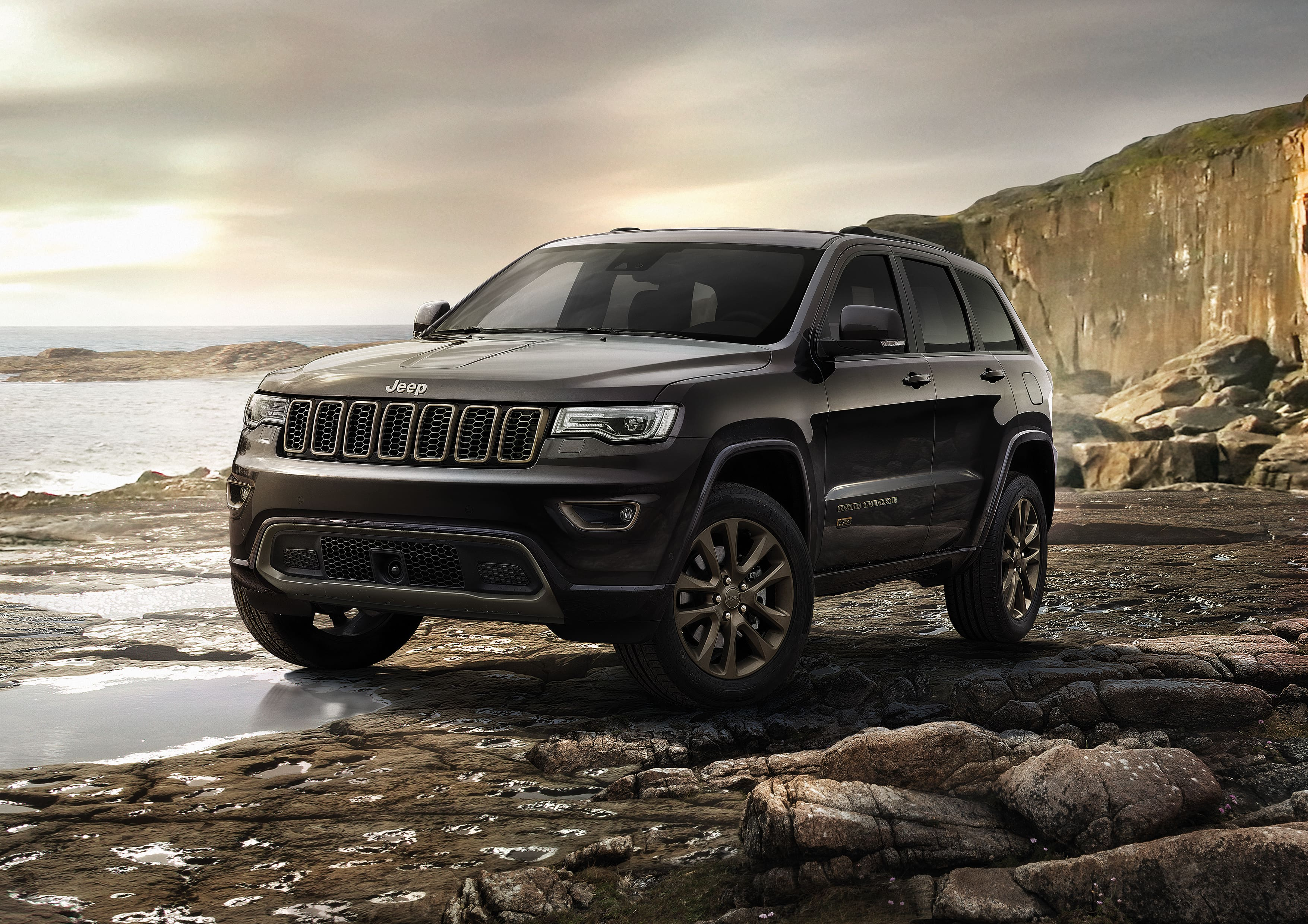 Jeep Compass Longitude Petrol variant now available in India at Rs 18.90 lakhs